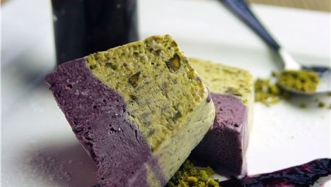Recipe of The Week: Blackberry and Pistachio Crumble and Parfairt
