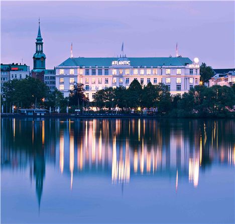 2 Kempinski From Alster Lake