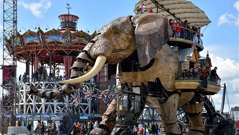 Voyage to Nantes - land of the Giants